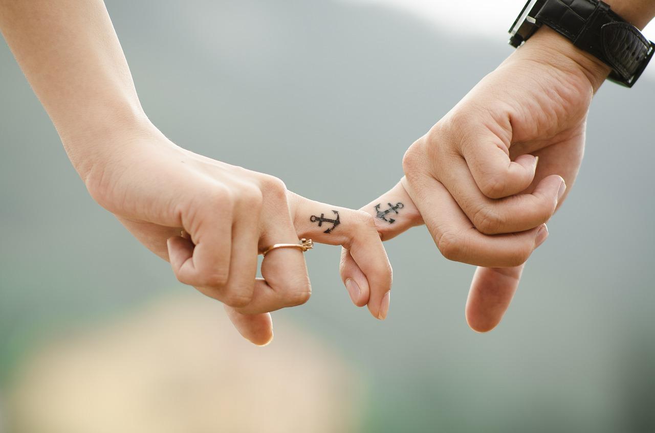 Miłości na pomoc - rola portali randkowych